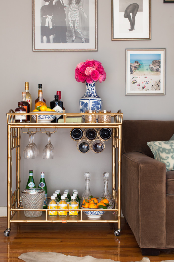 how-to-create-a-stylish-home-bar-e1449544142767