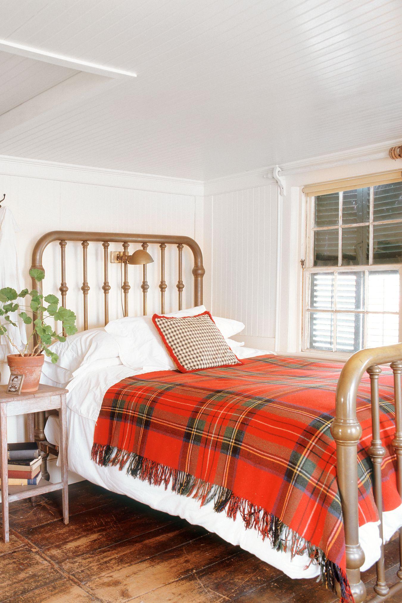 fall-decorating-ideas-bedroom-1528836186